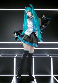 Miku Hatsune Cosplay (VOCALOID)