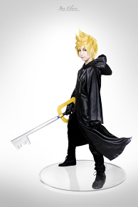 Kingdom Hearts 358/2 Days: Roxas Figure