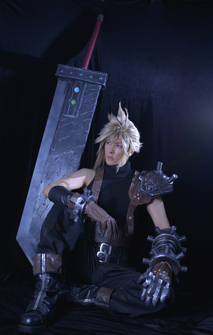 FFVII REMAKE Cloud Strife